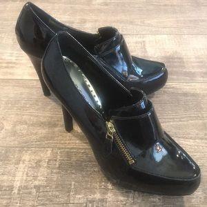 BCBGirls size 8 black business heels